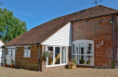 Snaptrip - Last minute cottages - Quaint Battle Cottage S13856 -