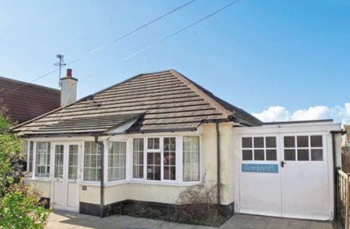 Snaptrip - Last minute cottages - Gorgeous Bognor Regis Cottage S13873 -