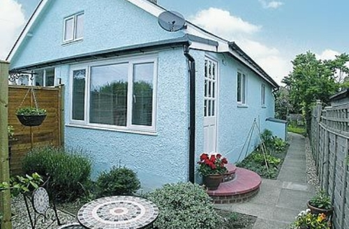 Snaptrip - Last minute cottages - Captivating Bognor Regis Cottage S13872 -