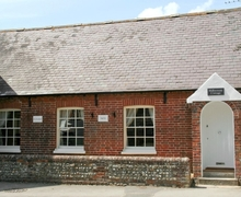 Snaptrip - Last minute cottages - Attractive Chichester Cottage S13922 -