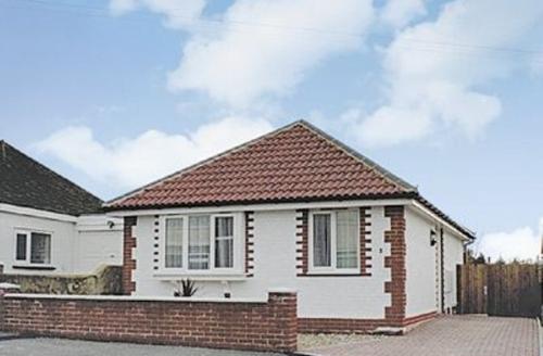 Snaptrip - Last minute cottages - Luxury Eastbourne Cottage S25012 -