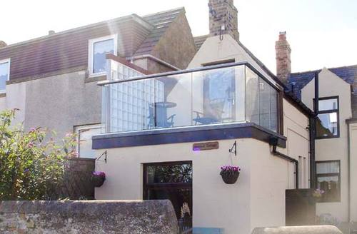 Snaptrip - Last minute cottages - Wonderful Eyemouth Cottage S4702 -
