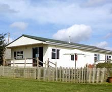 Snaptrip - Last minute cottages - Splendid Garndolbenmaen Cottage S4709 -