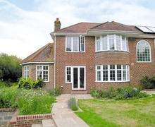 Snaptrip - Last minute cottages - Exquisite Selsey Cottage S14025 -