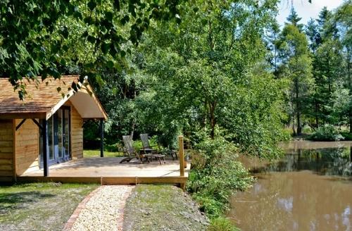 Snaptrip - Last minute cottages - Wonderful Brook Lodge S14075 -