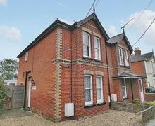 Snaptrip - Last minute cottages - Splendid Bembridge Cottage S14166 -