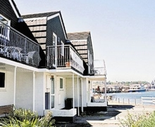 Snaptrip - Last minute cottages - Luxury Cowes Cottage S14210 -