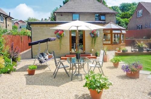 Snaptrip - Last minute cottages - Quaint Newport Cottage S14271 -