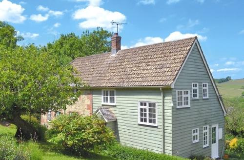 Snaptrip - Last minute cottages - Cosy Newport Cottage S37351 -