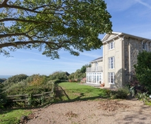 Snaptrip - Holiday cottages - Adorable Ventnor Cottage S14380 -