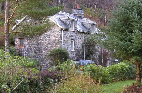 Snaptrip - Last minute cottages - Beautiful Dolserau Uchaf S4733 -