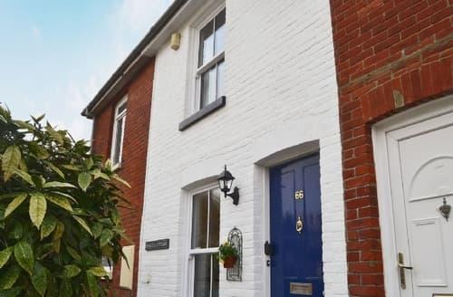 Snaptrip - Last minute cottages - Exquisite Ventnor Cottage S14405 -