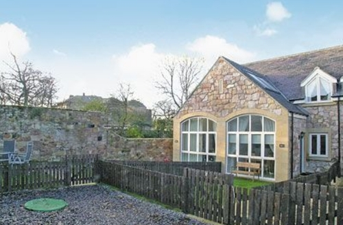 Snaptrip - Last minute cottages - Stunning Beadnell Cottage S14462 -