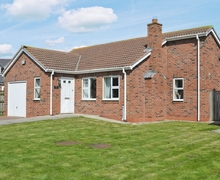 Snaptrip - Last minute cottages - Beautiful Beadnell Cottage S14491 -