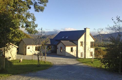 Snaptrip - Last minute cottages - Quaint  View S4746 -