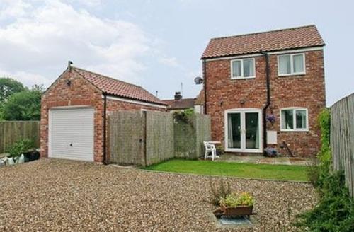 Snaptrip - Last minute cottages - Inviting Bridlington Cottage S14838 -