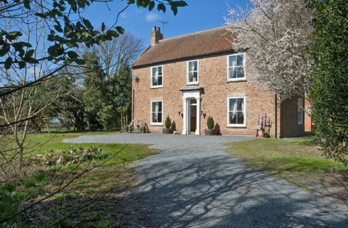Snaptrip - Last minute cottages - Inviting Driffield Cottage S14890 -