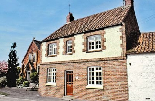 Snaptrip - Last minute cottages - Exquisite Driffield Cottage S14891 -
