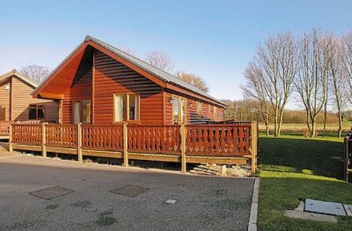 Snaptrip - Last minute cottages - Delightful Flamborough Lodge S14928 -