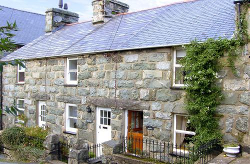 Snaptrip - Last minute cottages - Delightful Harlech Rental S4787 -