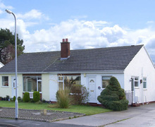 Snaptrip - Last minute cottages - Splendid Abergele Cove S4792 -