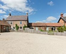 Snaptrip - Last minute cottages - Exquisite Cayton Cottage S15010 -