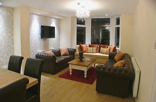 Snaptrip - Last minute cottages - Gorgeous Scarborough Apartment S41949 -