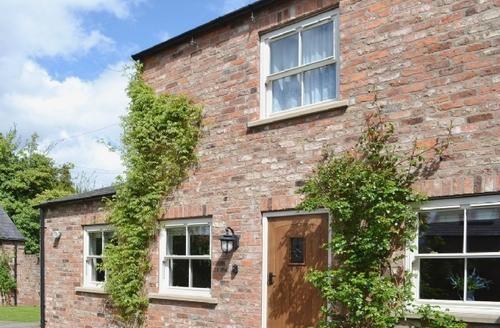 Snaptrip - Last minute cottages - Captivating York Cottage S15645 -