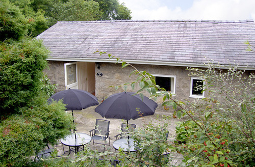Snaptrip - Last minute cottages - Luxury Llangefni View S4854 -
