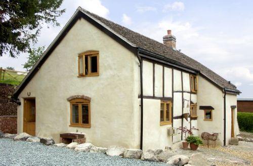 Snaptrip - Last minute cottages - Wonderful Church Stretton Cottage S2089 -