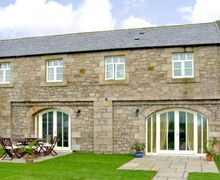 Snaptrip - Last minute cottages - Beautiful Berwick Upon Tweed House S3238 -