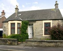 Snaptrip - Last minute cottages - Luxury Alloa Cottage S4791 -