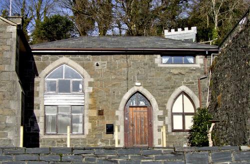Snaptrip - Last minute cottages - Stunning Pwllheli House S4911 -
