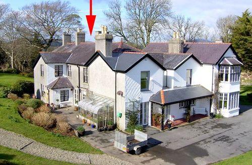 Snaptrip - Last minute cottages - Gorgeous Pwllheli Wing S4846 -