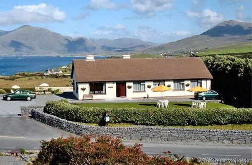 Snaptrip - Last minute cottages - Wonderful Galway Apartment S12540 -