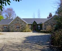 Snaptrip - Last minute cottages - Gorgeous  House S4936 -