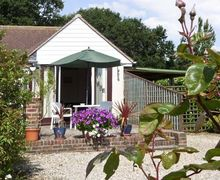 Snaptrip - Last minute cottages - Cosy Hastings Cottage S3372 -
