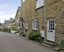 Snaptrip - Last minute cottages - Excellent Chipping Norton Cottage S2198 -