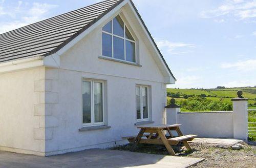 Snaptrip - Last minute cottages - Tasteful  Lisin S4981 -