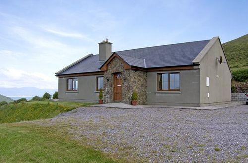 Snaptrip - Last minute cottages - Exquisite  Rental S4985 -