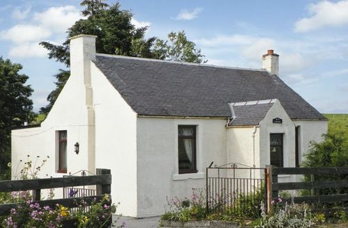 Snaptrip - Last minute cottages - Stunning Cumnock Cottage S4994 -