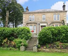 Snaptrip - Last minute cottages - Excellent Keighley Place S3417 -