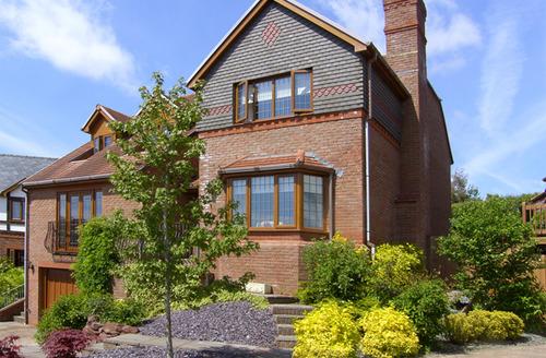 Snaptrip - Last minute cottages - Quaint Kidwelly Rental S4966 -