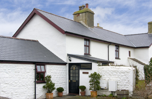 Snaptrip - Last minute cottages - Wonderful Tywyn Bach S4979 -