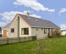 Snaptrip - Last minute cottages - Delightful Holyhead Mynydd S5174 -