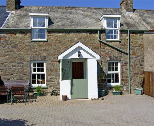 2 Beag Cottages
