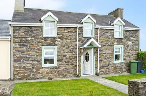 Snaptrip - Last minute cottages - Delightful  Farmhouse S4983 -