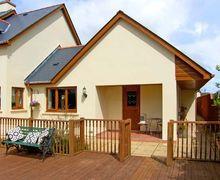 Snaptrip - Last minute cottages - Splendid Pembroke Dock Vu S5142 -