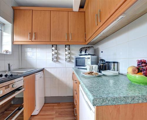 Cri'r Wylan WAI203 - Kitchen