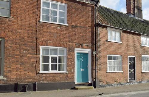 Snaptrip - Last minute cottages - Excellent Beccles Cottage S45564 -